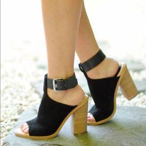 Marc Fisher block heel shoe
